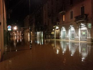 Via Sebenico allagata, Milano, Isola, 15 ottobre 2014 ore 24